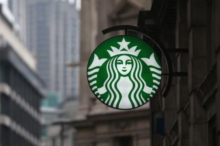 Starbucks готується приймати в кав'ярнях криптовалюту
