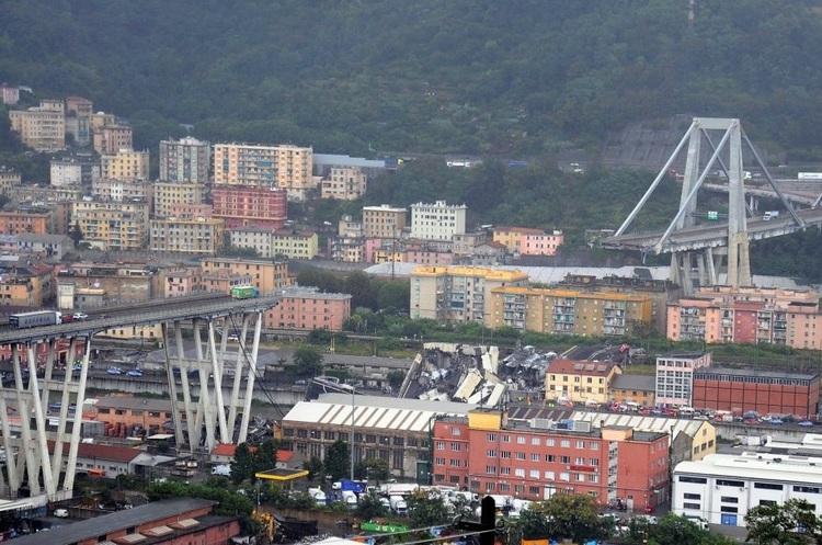 В Італії у промисловій зоні обвалився міст, щонайменше 35 людей загинули