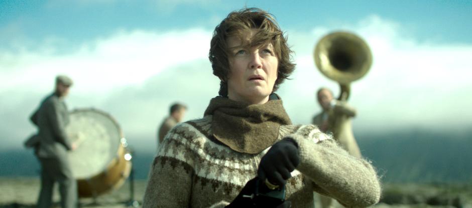 «Гірська жінка: На війні»: чим цікава трагікомедія про боротьбу із системою