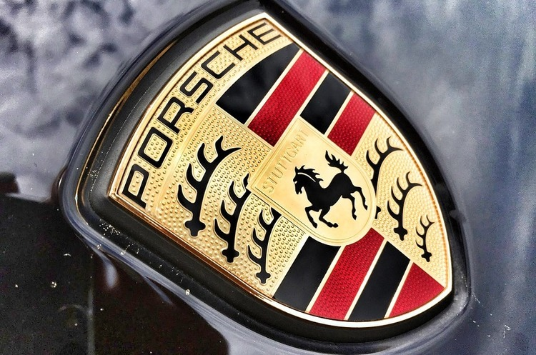 Швейцарія заборонила імпорт кількох моделей дизельних Mercedes-Benz та Porsche