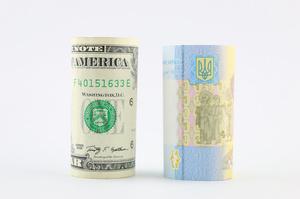 Транш и трэш: насколько сильно может просесть гривна