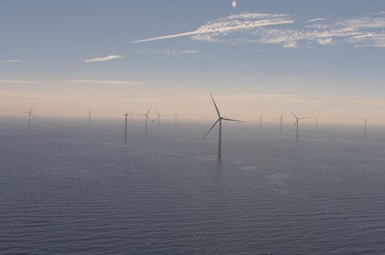 У Британії відкрили найбільшу в світі офшорну вітряну електростанцію