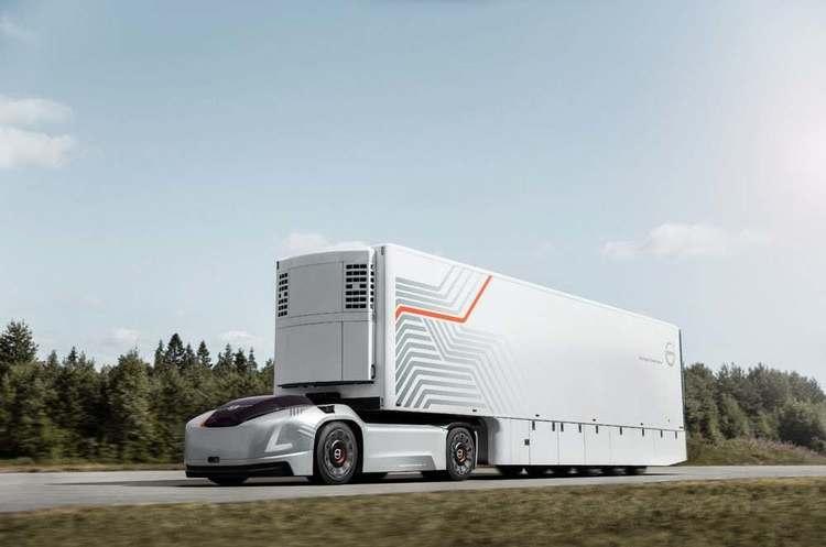 Volvo продемонструвала концепт своєї електровантажівки без кабіни водія (ВІДЕО)