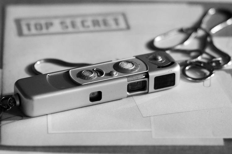 Поліція затримала двох російських шпигунів, які хотіли викрасти дані лабораторії, що розслідує хіматаки в Сирії та Солсбері