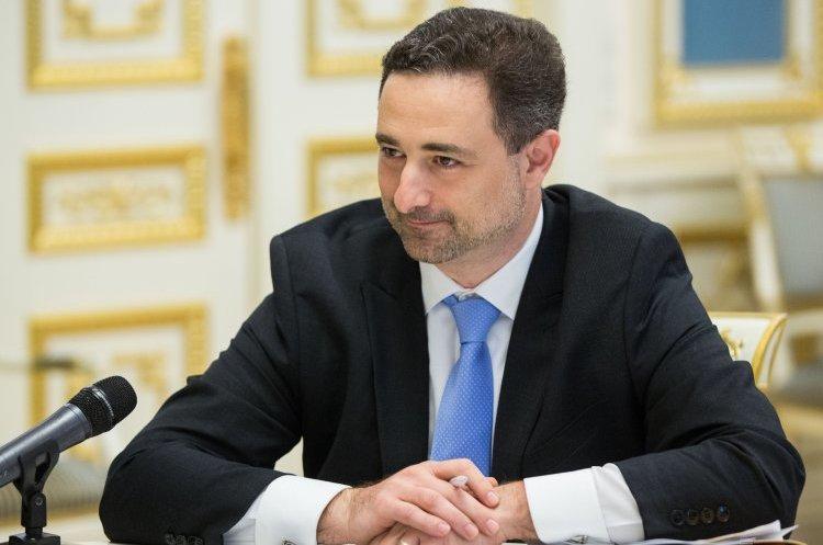 «Укрпошта» планує видати 5-7 млн банківських карт