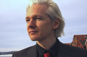 Ассанж пішов з посади головного редактора WikiLeaks через відсутність доступу до інтернету