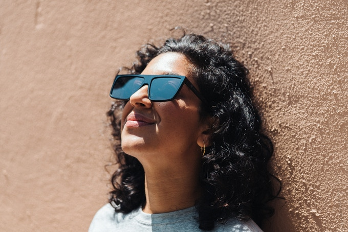 На Kickstarter збирають на окуляри, які вміють «вимикати» монітори
