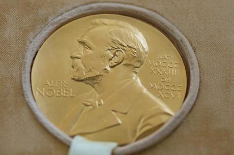 Підсумки Нобелівського тижня: майже всі премії віддали мікробіологам