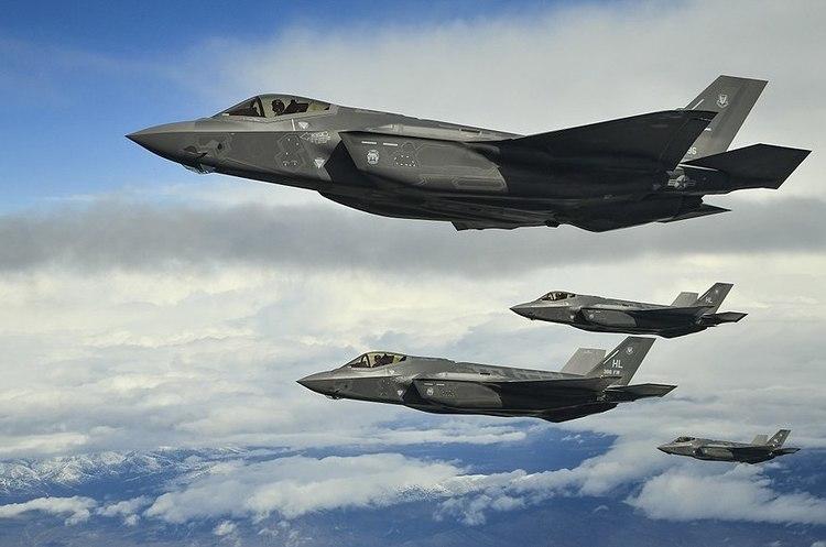 США заборонили польоти усіх новітніх винищувачів F-35