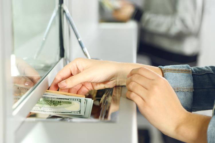 НБУ виявив 55 нелегальних пунктів обміну валют