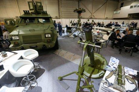 «Рука дружби»: яку зброю Україна продає до США