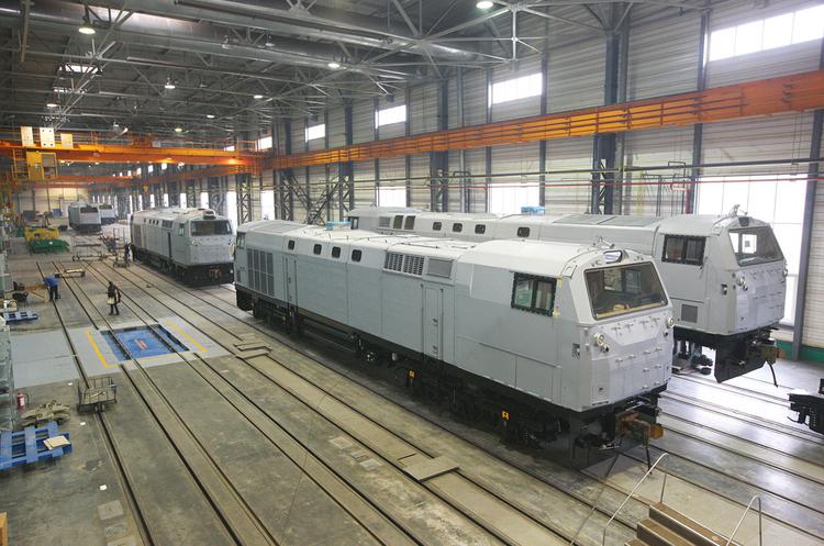 Половина партії тепловозів General Electric вже прибула в Україну