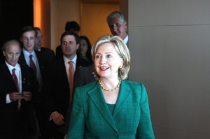Бараку Обамі та Хілларі Клінтон було надіслано вибухівку поштою – NYT