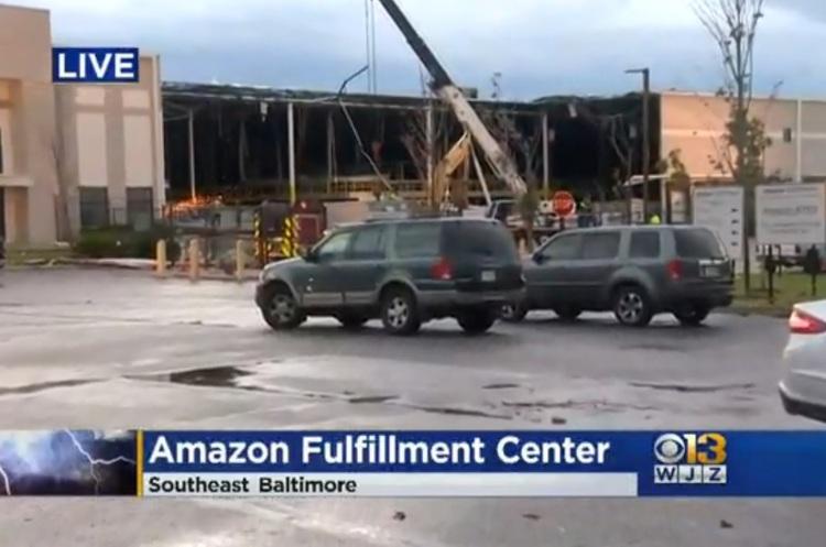 Жертвами часткового обвалення будівлі Amazon уСША стали дві людини