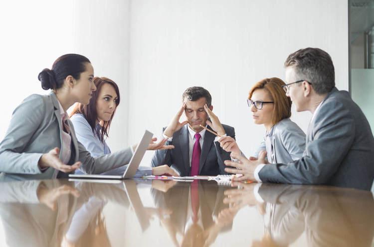 Конфлікт «по вертикалі»: як правильно сперечатися з босом