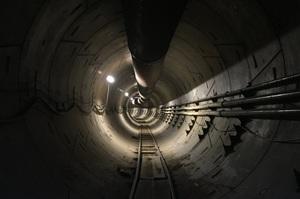 Ілон Маск виклав відео з тунелю під Лос-Анджелесом для безпілотних електробусів