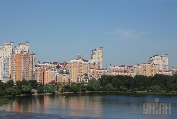 Середня ціна за 1 кв. м у новобудовах Києва в жовтні незначно знизилась – до 23 800 грн