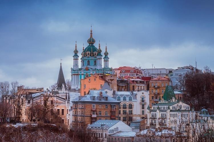Кількість іноземних туристів в Україну протягом першого півріччя скоротилася на 1,7%