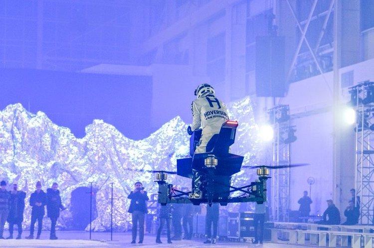 Поліція Дубая пересідає на літаючі мотоцикли (ВІДЕО)