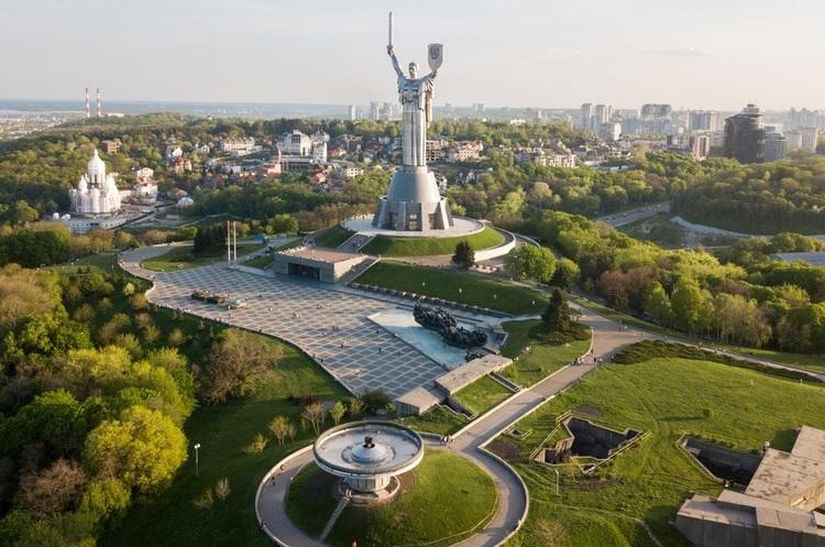 «Мозок, руки і зерно»: Financial Times прогнозує Україні економічний підйом