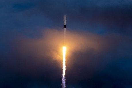 Маск не модернізуватиме другу ступінь ракети-носія Falcon 9