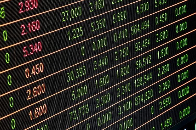 ЗМІ обвалили акції Facebook, Amazon та Apple, а це спричинило стрімке падіння фондових індексів