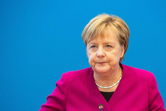 Меркель висловила занепокоєння ескалацією російської агресії із застосуванням зброї
