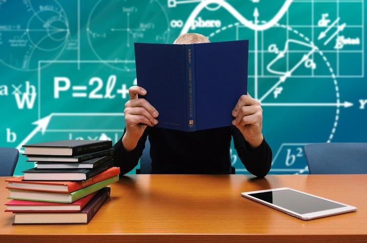 Научи учителя: как бизнесу сотрудничать с вузами