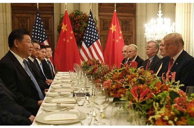 Лідери США та Китаю домовилися поки що не вводити мита на китайські товари
