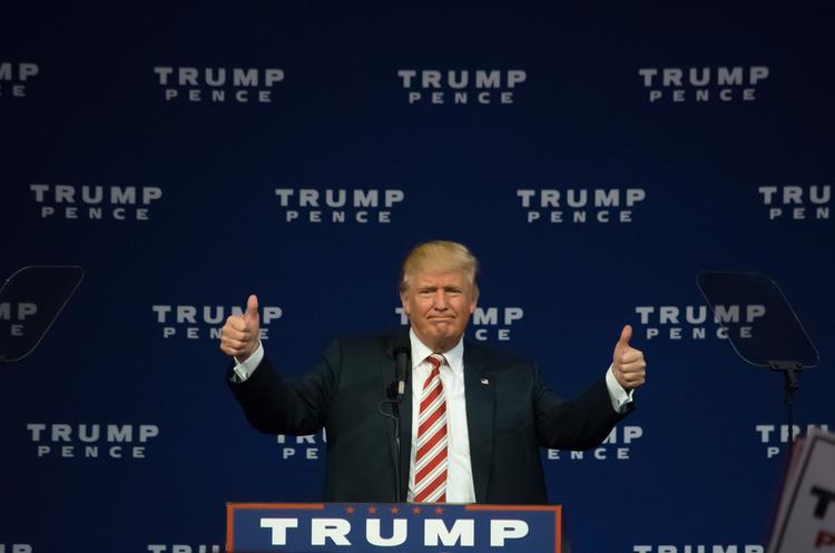 Пекін погодився знизити мита на імпорт авто із США – Трамп