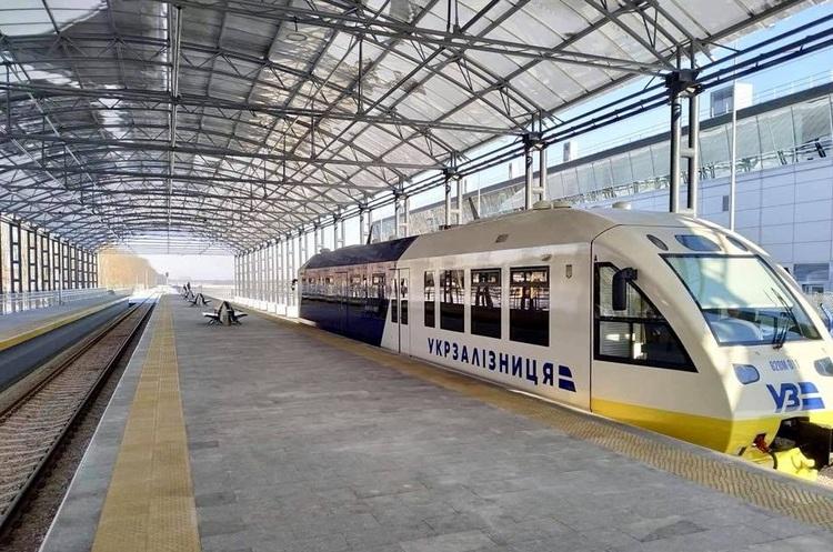 «Укрзалізниця» обіцяє зробити зупинку на Видубичах для рейкобусу до аеропорту Бориспіль