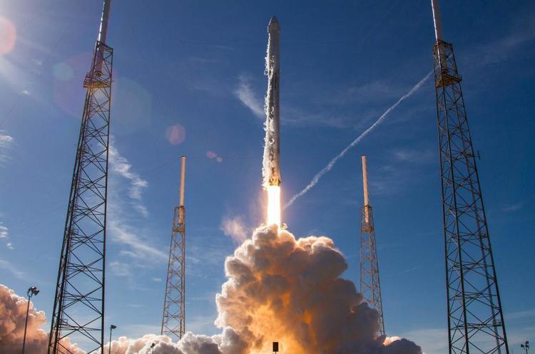 SpaceX запустила на орбіту 64 супутника, чим встановила одразу два рекорди