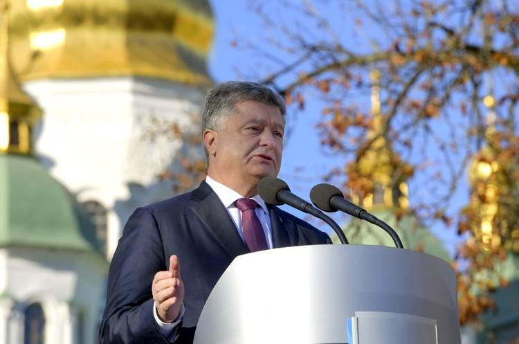Порошенко повідомив, коли відбудеться об'єднавчий собор українських церков