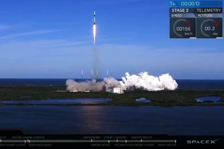 SpaceX успішно запустила Falcon 9, перший ступінь приземлився в море (ВІДЕО)