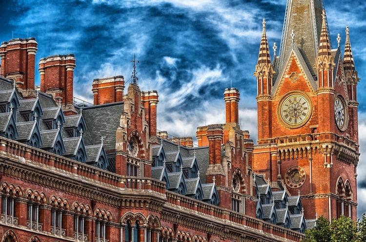 Лондон заморожує видачу віз для мільйонерів
