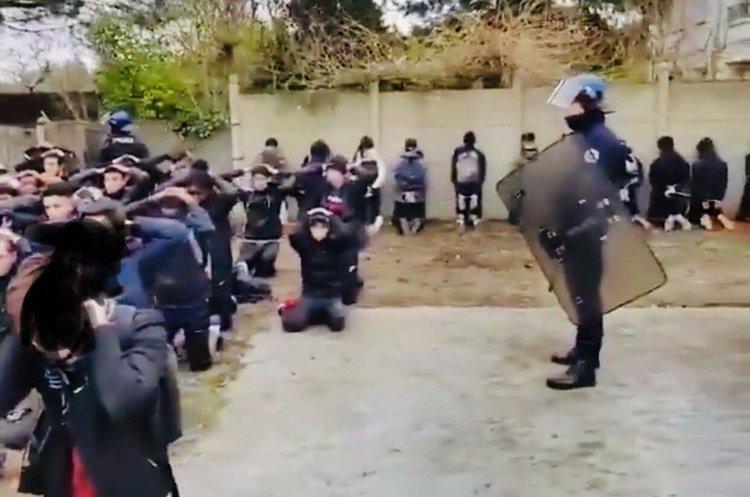 Нова хвиля масштабних протестів у Франції: цього разу школярі виступають проти освітньої реформи (ВІДЕО)