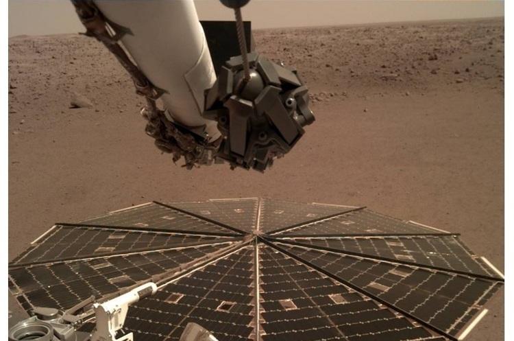 Дослідницький зонд InSight вперше записав на Марсі звуки вітру (ВІДЕО)
