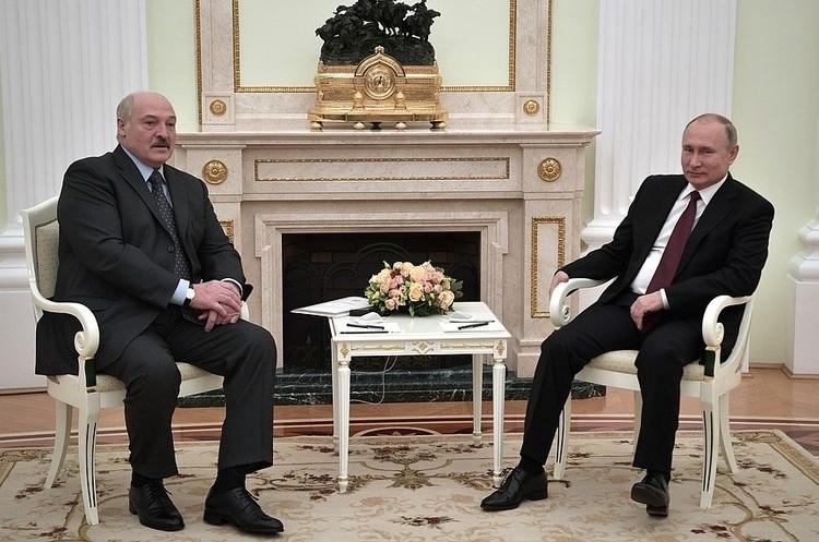 Кремль заперечує можливість об'єднання Росії і Білорусі, але вони ...