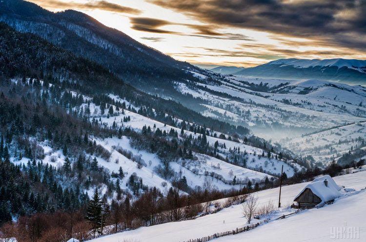 «Укргідрометцентр» повідомив про збереження лавинної небезпеки в Карпатах