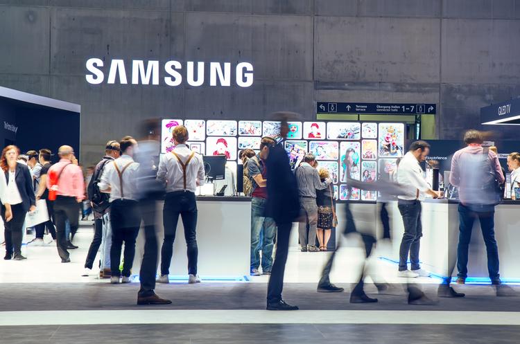 Samsung прогнозує різке зменшення прибутків за IV квартал