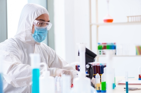 На вістрі біохакінгу: в Україні вперше з'явилась можливість створювати індивідуальні препарати для кожного