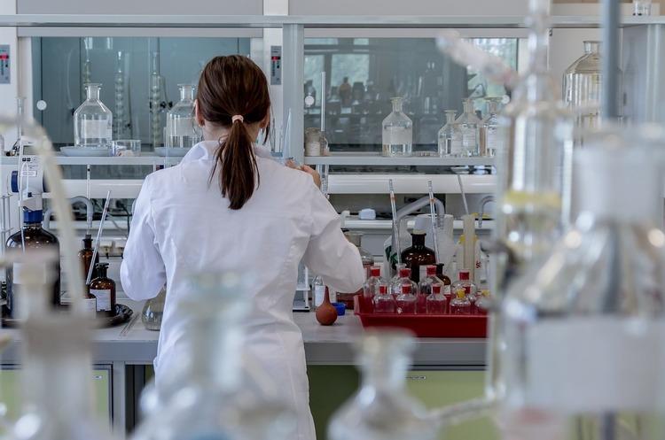 Довголіття на продаж: які ліки й технології Україна поставляє до інших держав
