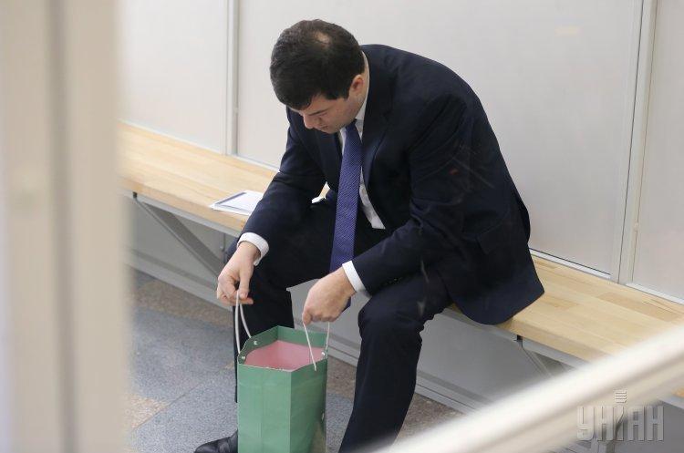 Кабмін оскаржив поновлення Насірова на посаді голови ДФС