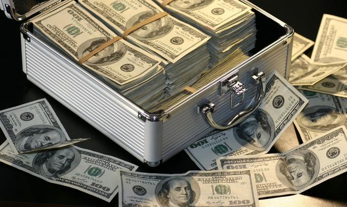 ДФС: платники податків у 2018 році задекларували операції з ТЦУ на 1,5 трлн грн