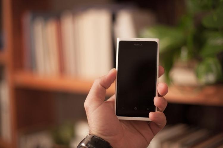 Чи планують мобільні оператори нове підвищення цін на мобільний зв'язок?