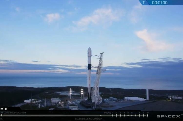 SpaceX успішно запустила на орбіту Falcon 9 з 10-ма супутниками (ТРАНСЛЯЦІЯ)