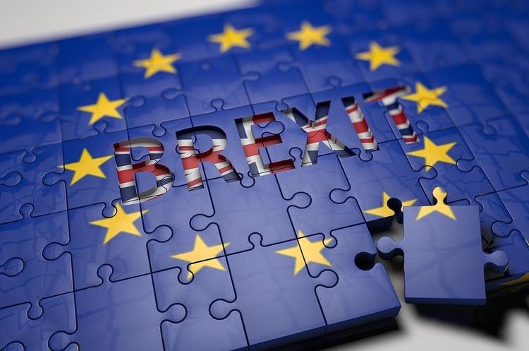 Скоріше Британія залишиться в ЄС, ніж вийде з блоку без угоди – Мей