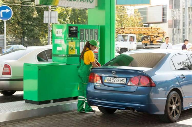 Зняти готівку відтепер можна на касах автозаправок WOG – ПриватБанк