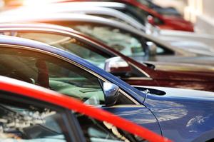ДФС: минулої доби було оформлено рекордні 2700 автівок на «єврономерах»