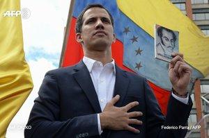 Лідер опозиції Венесуели Хуан Гуайдо оголосив себе президентом, його підтримує Трамп – Reuters